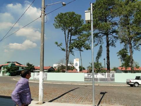 O prefeito Luiz Carlos Brunel Alves acompanhou os trabalhos nesta sexta-feira  -  Foto:Prefeitura de Capivari de Baixo/Notisul