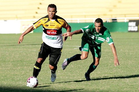 Artilheiro do time, Zé Carlos pode estar de saída do Tigre.