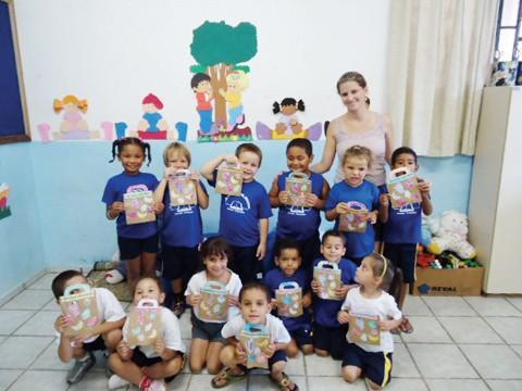 Lanchinho diferente e muitas atividades divertidas levaram uma série de informações importantes para os pequenos.
