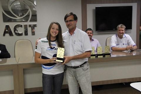 Fernanda foi uma das premiadas com o Troféu Salim Mussi Miguel
