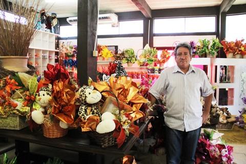 O gerente da empresa Chocolate da Zeza, Mário José Perito, está descontente com o movimento nesta Páscoa. Segundo ele, as vendas não devem alcançar 30% do comercializado no ano passado