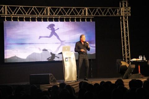 Público de 2,5 mil pessoas compareceu à palestra de Roberto Justus, um dos maiores líderes empresariais do Brasil.