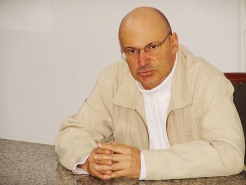 A doença de Manoel foi descoberta em 2008, logo após ser eleito para o executivo.