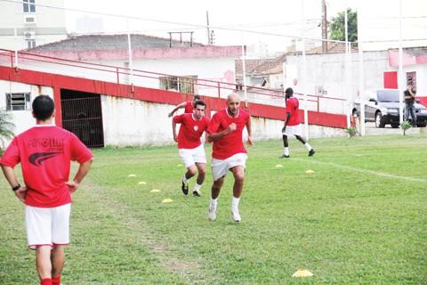 Jogadores realizaram um treino físico na tarde de ontem.