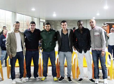 Vanderson, Luiz, Dario, Cássio, Samuel e Edimar foram os primeiros apresentados