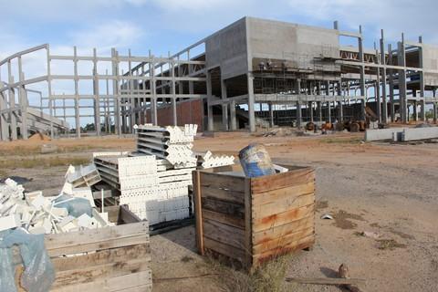 As montagem  da estrutura  pré-moldada do teatro deve começar nos próximos dias