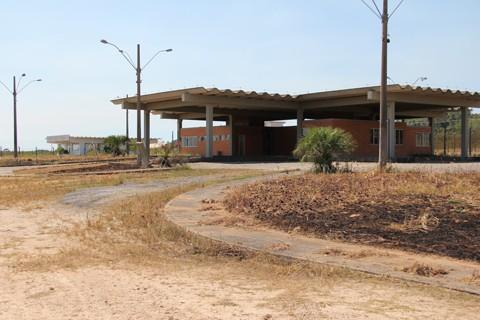 Hoje, a ZPE de Imbituba é assim, uma estrutura sem utilidade próxima ao porto
