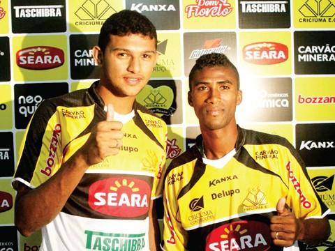 Leandrinho e Raul foram apresentados ontem - Foto:Fernando Ribeiro/Criciúma E.C./Notisul