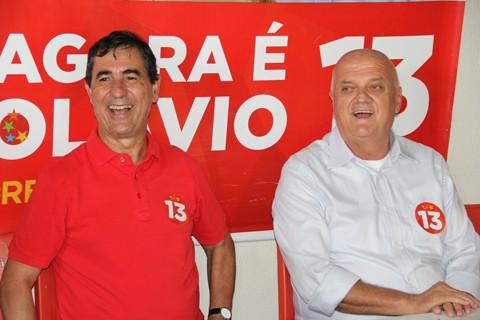 Olavio e Akilson promoveram uma entrevista coletiva, ontem, para apresentar os próximos passos rumo à posse como prefeito e vice.