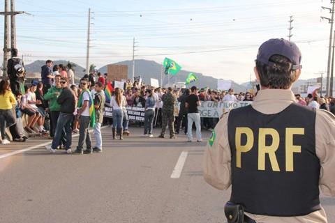 O protesto, mais uma vez, foi pacífico e sem o registro de qualquer ocorrência. A Polícia Militar (PM) e a Polícia Rodoviária Federal (PRF) realizaram a segurança nas ruas de Tubarão e na BR-101. Os manifestantes organizam um novo ato, nesta quinta-feira.