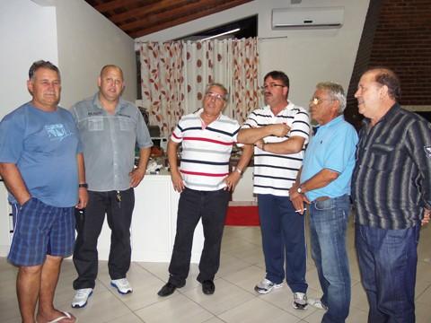 Durante a reunião, dirigentes mostraram-se satisfeitos com os resultados do Peixe. Foto: Savagé Costa/Atlético Tubarão/Notisul