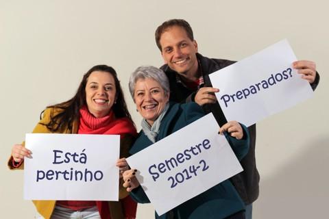 As fotos com os recados de volta às aulas estão sendo postadas na fan page do curso no facebook. Foto: Divulgação/Notisul.
