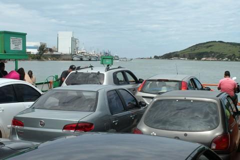Os moradores pedem preço diferenciado para a travessia da balsa  -  Foto:Ricardo Zanetta/Divulgação/Notisul