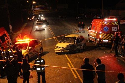 O motorista do Gol, Giovani Canarin, 38 anos, não resistiu aos ferimentos e morreu no local   -  Foto:Samuel Madeira/Sul in Foco/Divulgação/Divulgação/Notisul