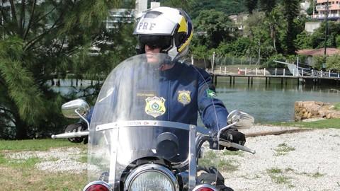 A PRF divulgou que no ano passado, em média, 45 pessoas perderam a vida nas rodovias federais conduzindo motocicletas   -  Foto:PRF-SC/Divulgação/Notisul