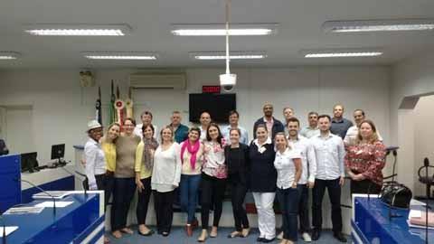 Várias doulas estiveram na reunião marcada pelos vereadores para conversar com os representantes do hospital  -  Foto:Câmara de Vereadores de Tubarão/Divulgação/Notisul