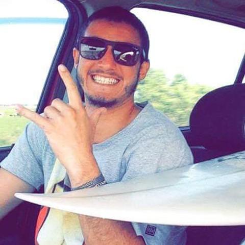 A família perdeu o contato com Murillo após ele participar de um evento no estado vizinho  -  Foto:Arquivo Pessoal/Divulgação/Notisul