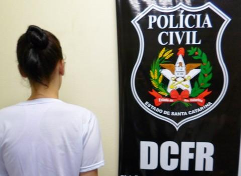 A mulher cumprirá a pena inicial, em regime fechado de cinco anos e oito meses, pelo crime de tráfico de drogas  -  Foto:DCFR de Tubarão/Divulgação/Notisul