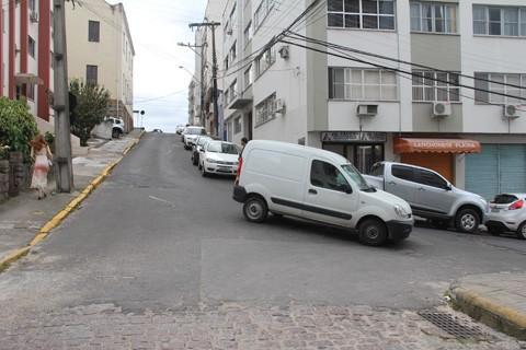 Até o próximo mês, a Rua da Piedade terá o sentido alterado no trecho próximo à Catedral Diocesana   -   Foto:Silvana Lucas/Notisul