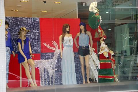 As lojas já estão  no clima natalino  -  Foto:Silvana Lucas/Notisul