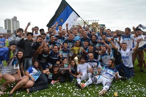 O Humaitá fecha o ano com dois títulos importantes, campeão do Citadino e do Regional 2015   -  Foto:Fogaça Comunicação/Divulgação/Notisul