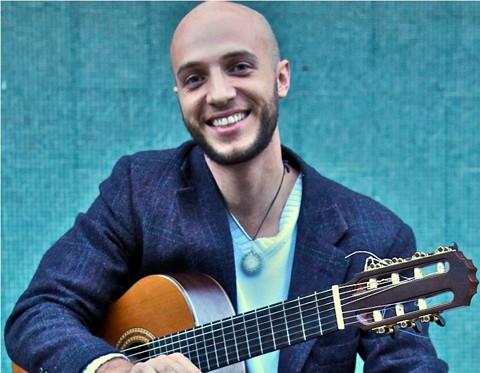 """Neste domingo, o músico Felipe Coelho, considerado """"Melhor Instrumentista 2014  apresenta-se às 20 horas  -  Foto:Divulgação/Notisul"""