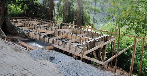 Pilares do deck central - na margem direita - foram concretados no fim da semana passada  -  Foto:Rafael Andrade/Notisul