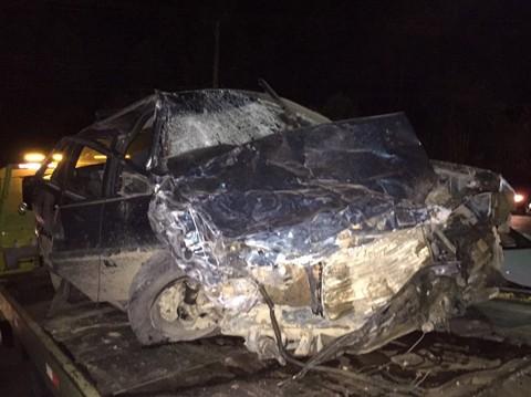 A colisão frontal  ocorreu neste sábado, por volta das 21h30min. - Foto: Samuel Madeira/Sul in Foco/Divulgação/Notisul.