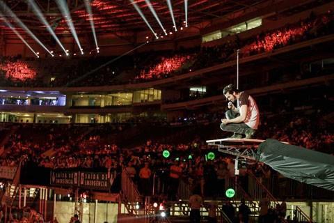 O jovem cantor tem arrastado multidões em todos os seus espetáculos pelo Brasil  -  Foto:Portal AHora/Divulgação/Notisul