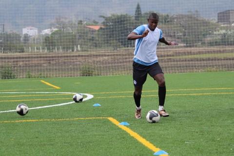 Jairo treinou ontem com os colegas de equipe fora da Cidade Azul - Foto:C.A Tubarão/Divulgação/Notisul