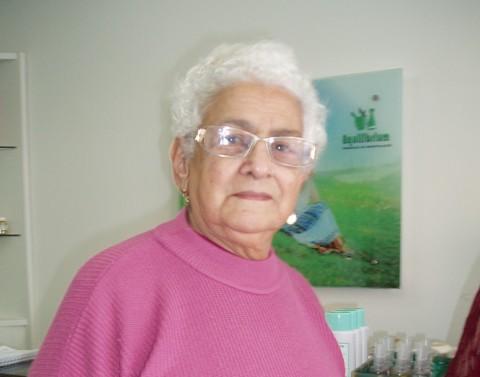 Dona Sueli Ilha, 82 anos, prefere poupar a primeira metade do décimo terceiro.  Ainda é tímido o aumento de gastos da categoria no comércio local, apontam os lojistas