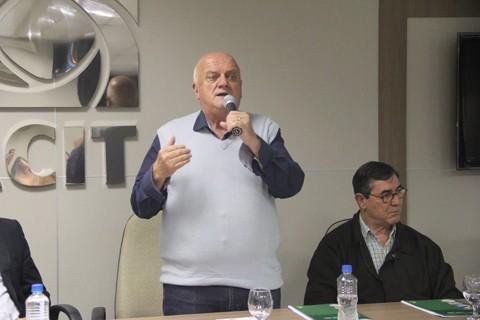 Olavio disputa a prefeitura pela terceira vez. O candidato é o atual gestor do município  -  Foto:Jailson Vieira/Notisul