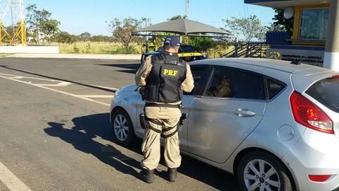 Orientações já iniciaram no Estado. Uso do farol baixo não é mais obrigatório, conforme Justiça Federal de Brasília. - Foto: PRF/Divulgação/Notisul.