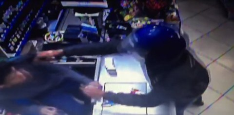 Ladrões atuam com arma em punho e com muita violência, como foi registrado nos últimos casos  -  Foto:Reprodução/Divulgação/Notisul