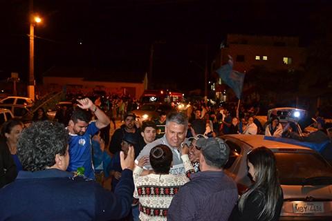 Festa da vitória ocorreu na Praça central do Distrito de Morro Grande. - Foto: Divulgação/Notisul.