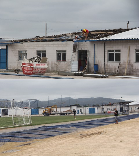 O telhado do refeitório do Atlético Tubarão (foto1), assim como a grade do campo (foto 2) foram colocados ontem  -  Fotos: Jailson Vieira/Notisul