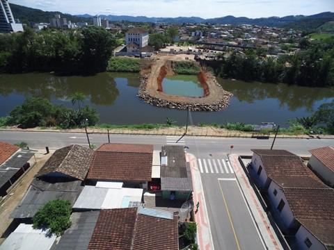 Edificação será construída sobre o leito do Rio Braço do Norte  -  Foto:Divulgação/Notisul