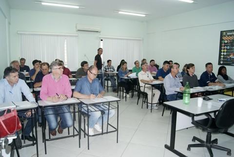 Aulas foram ministradas por profissionais do Detran neste sábado, em Tubarão. - Foto: SS Comunicação Estratégica/Divulgação/Notisul.