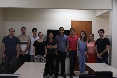 Servidores da Justiça Federal de Tubarão se manifestam contra a PEC que limita os gastos públicos  -  Foto:Lysiê Santos/Notisul