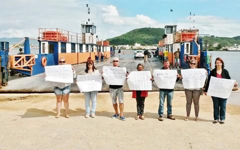 A homenagem contou com a participação de moradores e turistas. - Foto: Uapi/Divulgação/Notisul.