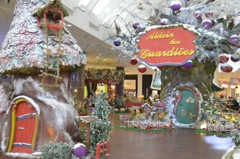 Papai Noel estará na Aldeia dos Guardiões, no hall do Farol Shopping   -  Foto:Tadeu Spilere/Divulgação/Notisul