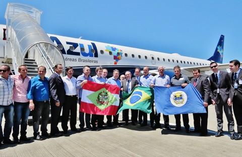 Chegada da nova linha aérea reúne lideranças políticas e empresariais no Aeroporto Regional   - Foto:Fotos:Lysiê Santos/Notisul