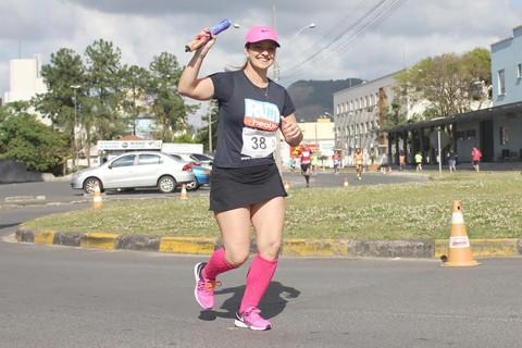 Vanisi pratica  exercícios há um ano e garante que a sua vida mudou   -  Foto: KBS Assessoria/Divulgação/Notisul