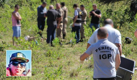 Corpo de Jhonatan Matheus, de apenas 18 anos (detalhe), foi encontrado em um terreno baldio de Laguna  -  Foto:Elvis Palma/Divulgação/Notisul