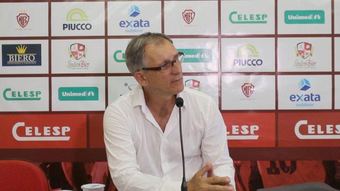Técnico do Leão do Sul prevê jogo duro no Estádio da Vila  -  Foto:  Hercílio Luz/Divulgação/Notisul