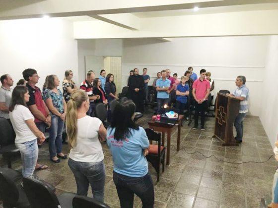 Formação de coroinhas - Foto: Izabeli Warmling/Divulgação/Notisul