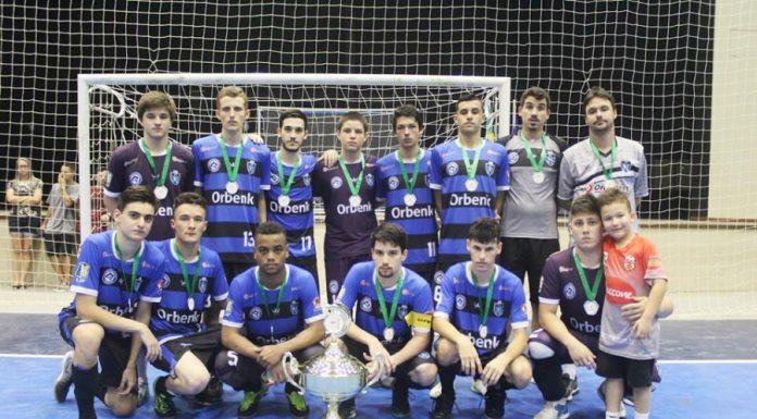 Sub-17 é vice-campeã do Catarinense - Foto: Tubarão Futsal/Divulgação/Notisul