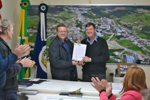 Vice-prefeito assume comando