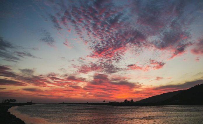 Amanhecer nos Molhes da Ponta da Barra/ Laguna - Wilson Schuelter