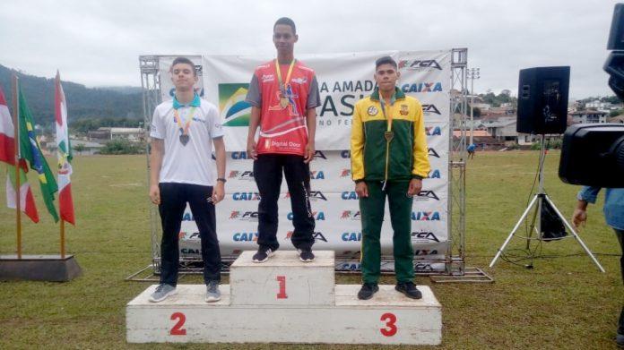 Escola Municipal de Atletismo/Divulgação/Notisul